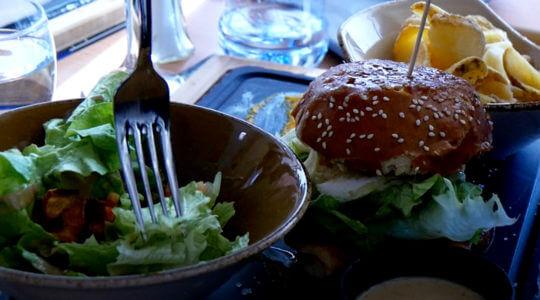 burger à l'adret de la Flégère en été