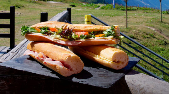 pause sandwich au chalet charamillon l'été