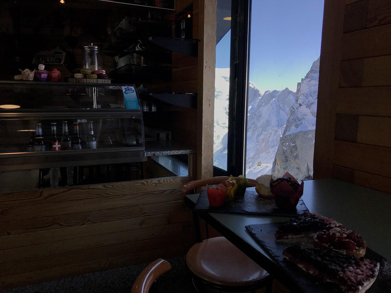 dessert à la cafétéria du Summit, à l'aiguille du midi